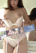 Eine erotische Lady zeigt ihren schönen Körper