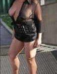 Eine Lady bläst ohne Kondom